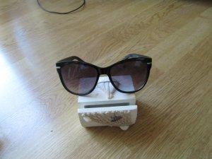 Sonnenbrille in schönem Design