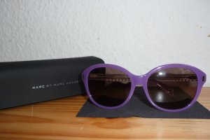 Sonnenbrille in violett. Neu!