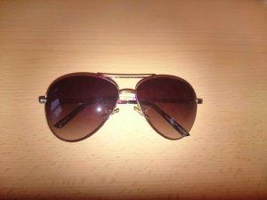 Sonnenbrille mit Blümchen