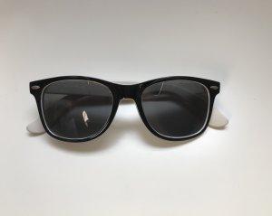Sonnenbrille NEU mit Blümchen-Bügeln