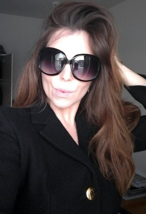 Hoekige zonnebril zwart