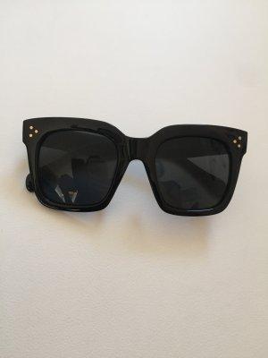 Sonnenbrille schwarz eckig Celine Paris Blogger
