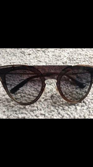 C. Valentino Round Sunglasses gold-colored-black