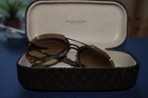 Sonnenbrille von Bottega Veneta; braune Gläser, goldener Rahmen, mit Etui