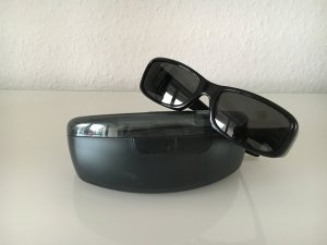Calvin Klein Angular Shaped Sunglasses black-red