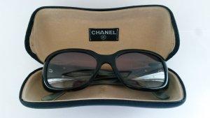 Sonnenbrille von **CHANEL** Tortoise-Design