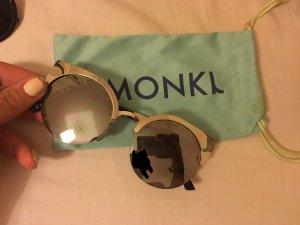 Sonnenbrille von Monki!