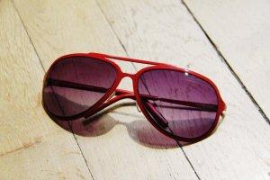 Sonnenbrille von Pieces – rot