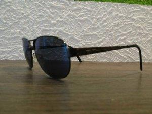 Sonnenbrille von Police mit blauen Gläsern