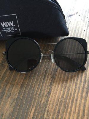 Sonnenbrille von Wood Wood schwarz Butterfly