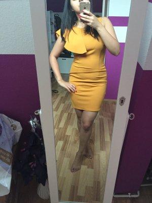 Sonnengelbes Kleid mit Ausgestellter Schulter