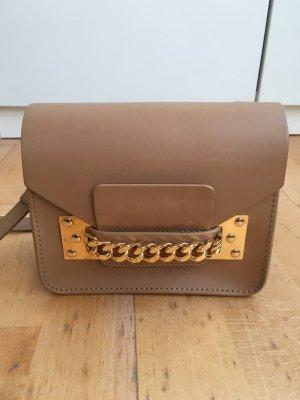 Sophie Hulme Envelope Bag Chain Tasche Camel Beige