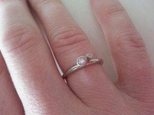 SPINNING Ring mit zwei klaren Steinen