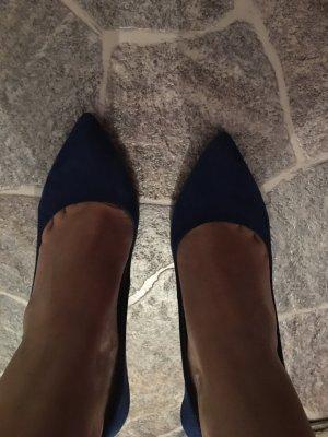 Spitz-Pumps von Zara in Blau