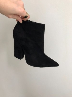 Spitze Ankle Boots