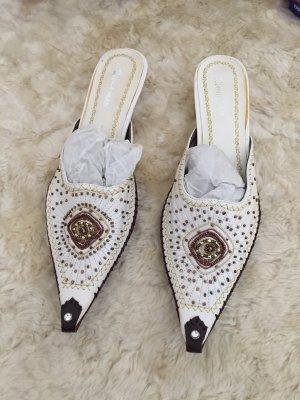 Sandalo con tacco marrone scuro-bianco