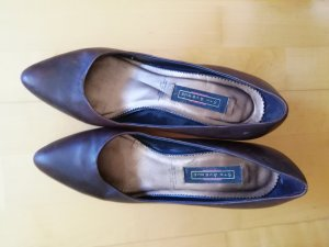 5th Avenue Pointed Toe Pumps bronze-colored-brown leather