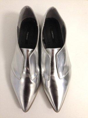 Spitze, flache Schuhe in Silber von Forever 21, Gr. 37