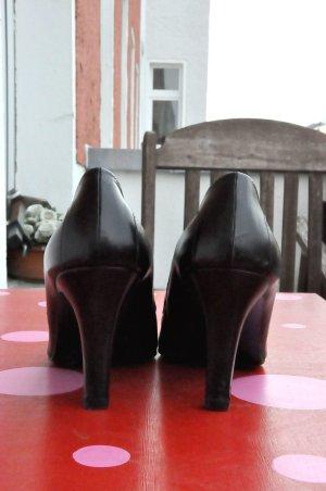 Spitze High-Heels, Leder, schwarz