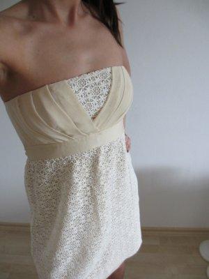 *** Spitze Kleid ***
