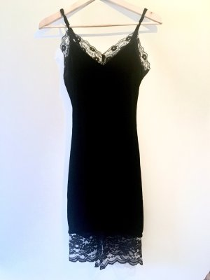Spitzen Kleid aus Samt