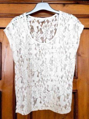 Spitzen T-Shirt in weiß / off-white von Gina Tricot