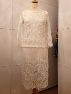 Zara Vestido de encaje blanco puro-crema