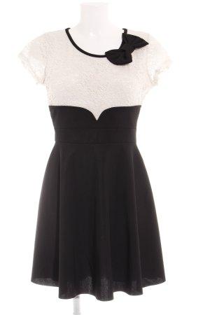 Spitzenkleid weiß-schwarz Casual-Look