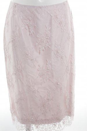 Jupe en dentelle rose motif floral pailleté