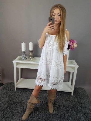 Robe en dentelle blanc