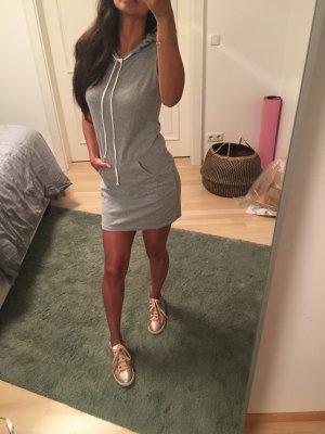 Vestido de tela de sudadera gris claro