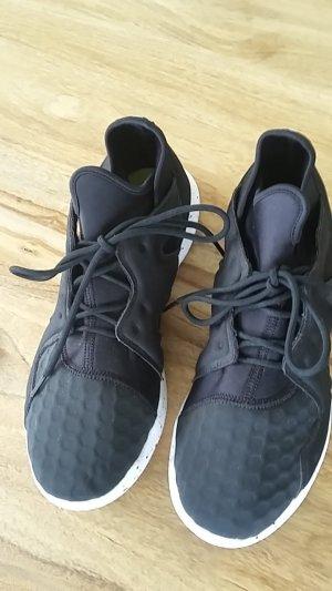 Sport- oder Tanzschuhe! Sneaker Reebok schwarz