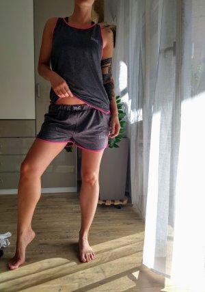 Sport Shorts dark grey-raspberry-red