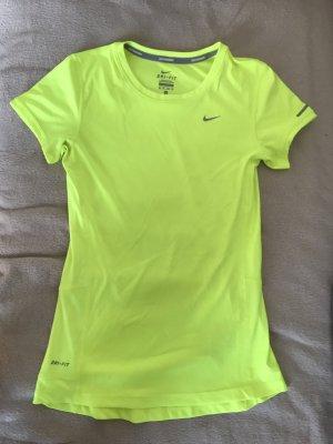 Sport-T-Shirt von Nike- gesehen werden!