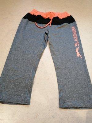 pantalonera gris claro-naranja