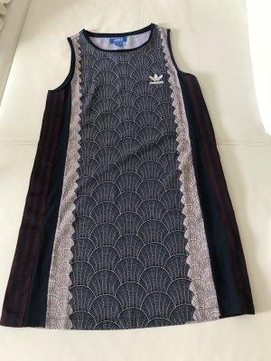 Adidas Vestido de manga corta multicolor