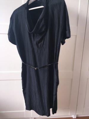 Sportlich geschnittenes Kleid mit Seide