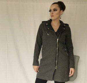 sportlich schicker mantel in dunkelgrau mit lederdetails in schwarz