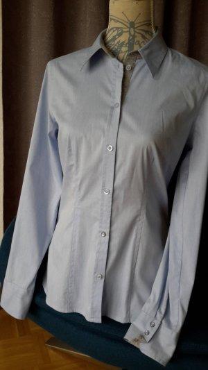sportliche Bluse mit schönen Details