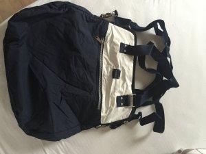 Sportliche Handtasche