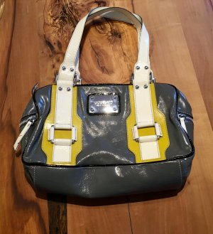 Sportliche Handtasche von Dumond in Lackleder