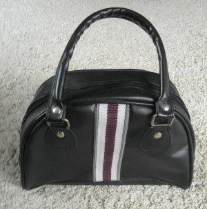 sportliche kleine Handtasche