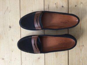 Sportliche Loafers aus Leder in dunkelblau und braun von newport