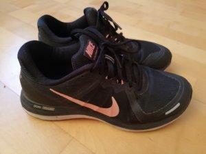 Sportliche Nike Sneaker Gr. 39 *LETZTE REDUZIERUNG*