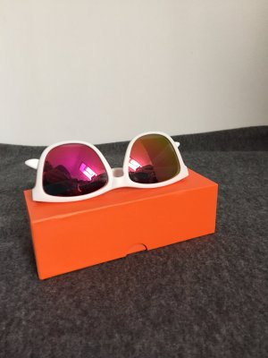 Sportliche Sonnenbrille verspiegelt