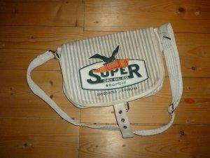 Sportliche Super Dry-Tasche