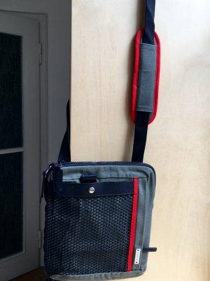 sportliche Tasche von Mandarina Duck