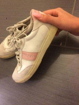 Sportliche Weiße Prada Schuhe