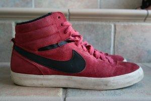 sportlicher Schnürsneaker von Nike