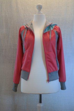 Sportlicher Sweater in angesagten Farben